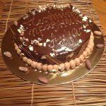 Торта с шоколадов мус и бадеми, шоколадови орнаменти, за специален повод